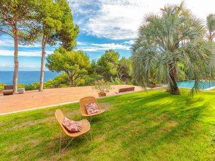 405m² villa with a garden and pool for sale in Tamariu