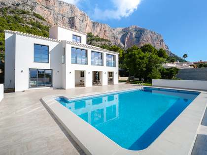 Huis / Villa van 410m² te koop in Jávea, Costa Blanca
