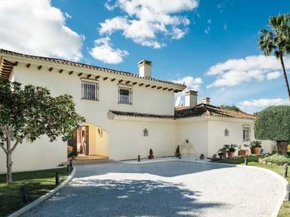 Huis / Villa van 367m² te koop in Nueva Andalucía