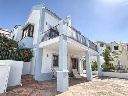 Spacious 3-bedroom house for sale in Benahavis