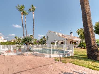 Casa / Villa di 200m² con giardino di 621m² in affitto a Playa Sagunto