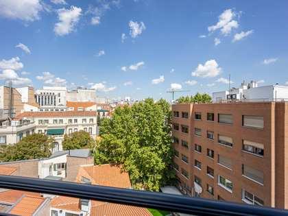 Квартира 154m² на продажу в Альмагро, Мадрид