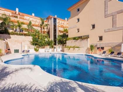 Ático dúplex de 2 dormitorios en venta en Nueva Andalucía