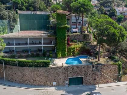 354m² Haus / Villa zum Verkauf in Lloret de Mar / Tossa de Mar
