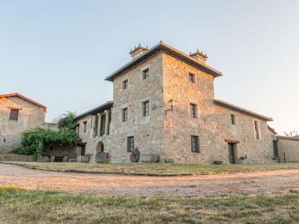 750m² Haus / Villa zum Verkauf in Orense, Galicia