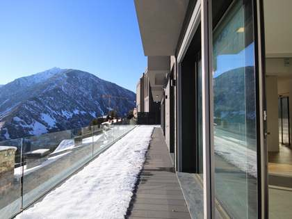 688 m² house with terrace for sale in Andorra la Vella