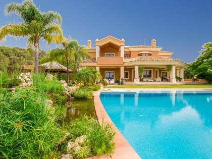 Casa / Villa di 988m² con giardino di 2,494m² in vendita a Benahavís