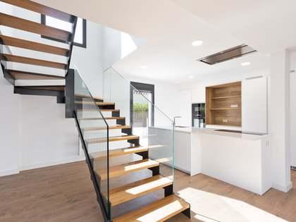 Дом / Вилла 246m² на продажу в La Pineda, Барселона