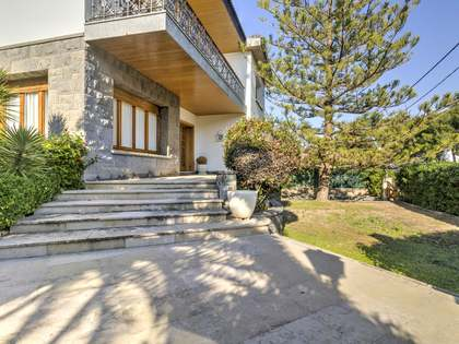 384m² House / Villa for sale in Torredembarra, Costa Dorada
