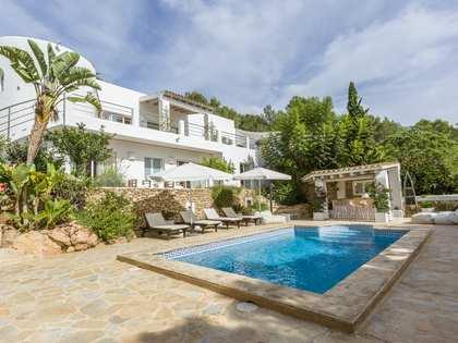 274m² House / Villa for sale in Santa Eulalia, Ibiza