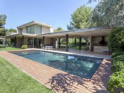 Дом / Вилла 628m², 2,700m² Сад на продажу в Bétera