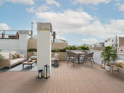 90 m² penthouse with 69 m² terrace for sale in Eixample Left