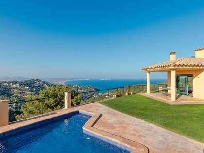 Huis / Villa van 280m² te koop in Begur Town, Costa Brava