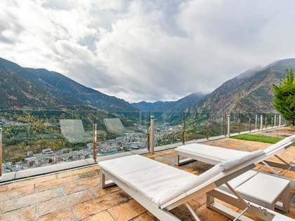 Maison / Villa de 1,600m² a louer à Escaldes, Andorre