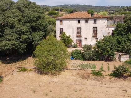 Casa / Vil·la de 826m² en venda a Mataro, Barcelona
