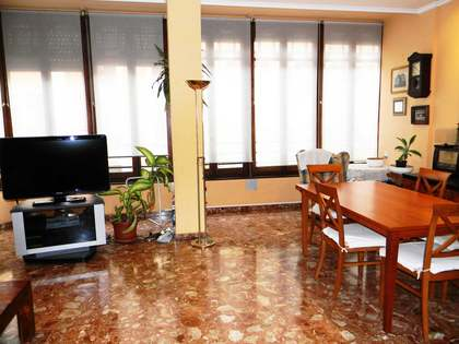 Apartment for sale on Calle Conde de Altea, Valencia