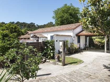 Casa / Villa de 663m² en venta en Pontevedra, Galicia