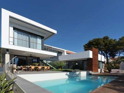 Villa de 430m² en venta en Castelldefels, Barcelona