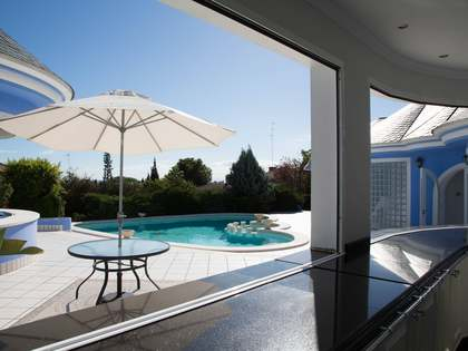 Casa / Villa de 823m² en venta en Los Monasterios, Valencia