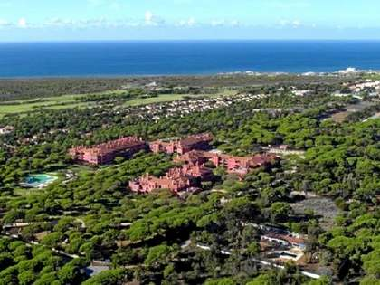 Stunning 3-bedroom apartment for sale in Cascais golf resort