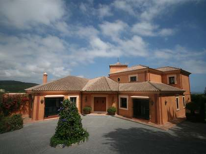 Villa de lujo de 4 dormitorios en venta en Sotogrande Alto
