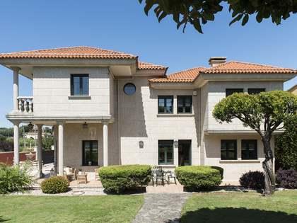 Casa / Villa di 617m² in vendita a Pontevedra, Galicia