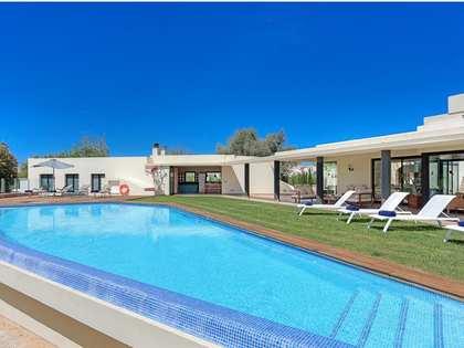 708 m² Villa with 21,292 m² garden for sale in Menorca