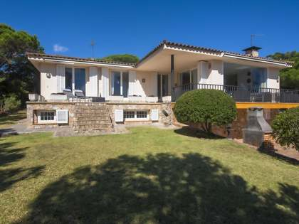 400m² House / Villa for sale in Sant Feliu, Costa Brava