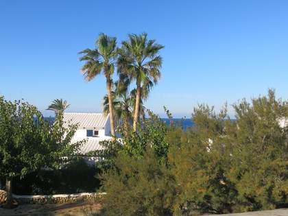 Casa di campagna di 370m² con 15,630m² terrazza in vendita a Menorca