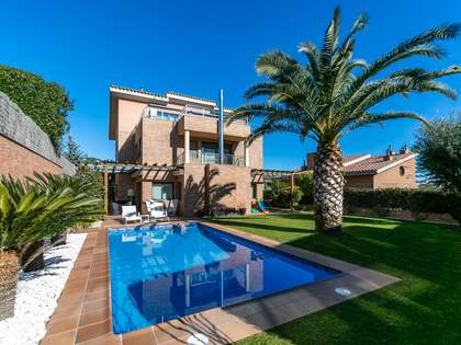 497m² House / Villa for sale in Alella, Maresme