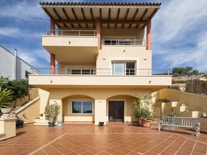 Huis / Villa van 358m² te koop in Levantina, Sitges