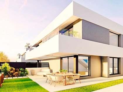 Casa / Villa di 144m² con giardino di 66m² in vendita a golf