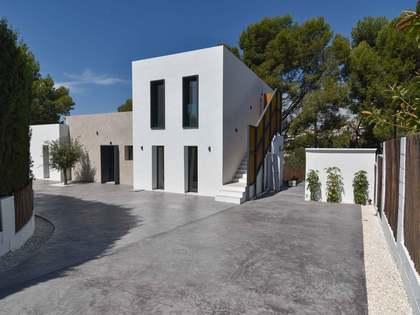 Дом / Вилла 200m², 168m² террасa на продажу в Calpe