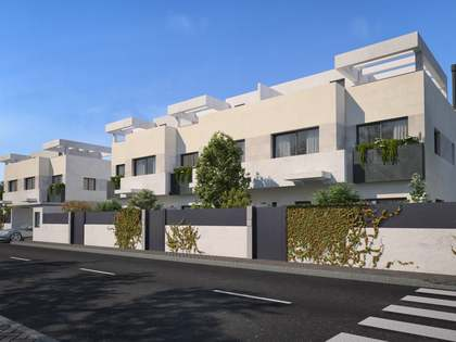 288m² House / Villa with 35m² garden for sale in Aravaca
