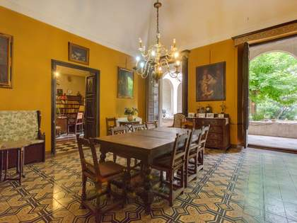 1,140 m² house with 40,920 m² garden for sale in Girona