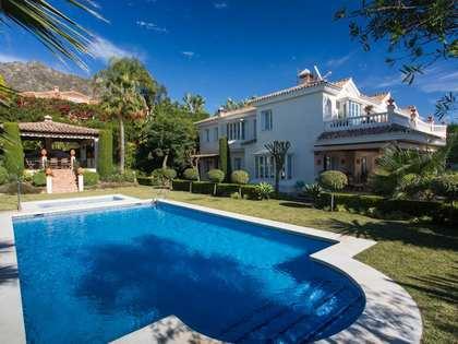 Casa / Villa di 1,500m² con giardino di 2,400m² in vendita a Golden Mile