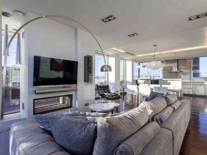 211m² Penthouse with 88m² terrace for sale in Ciudad de las Ciencias