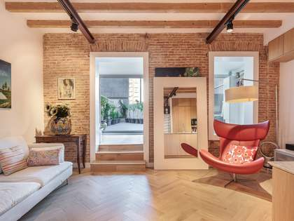 64 m² apartment with 33 m² terrace for sale in Eixample Left
