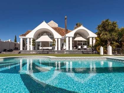 Huis / Villa van 1,000m² te koop met 2,500m² Tuin in Nueva Andalucía