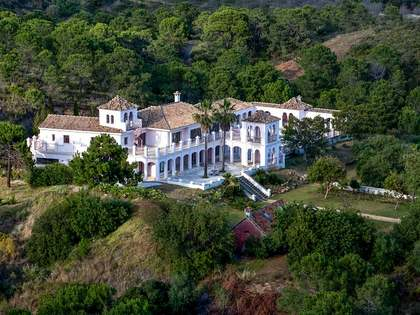 Country estate for sale in Estepona and Benahavis, Málaga, Spain