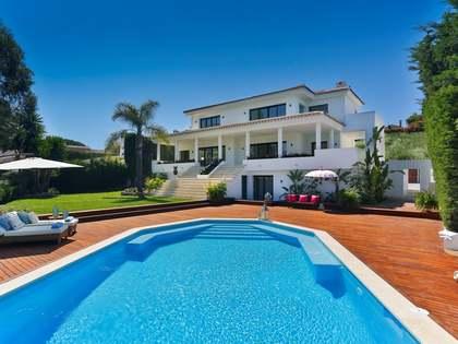 Huis / Villa van 446m² te koop met 226m² terras in Nueva Andalucía