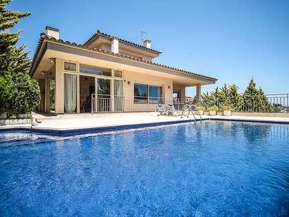 351m² House / Villa for sale in Cunit, Tarragona