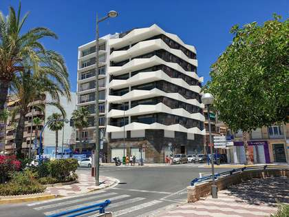 162m² Apartment with 20m² terrace for sale in Alicante ciudad