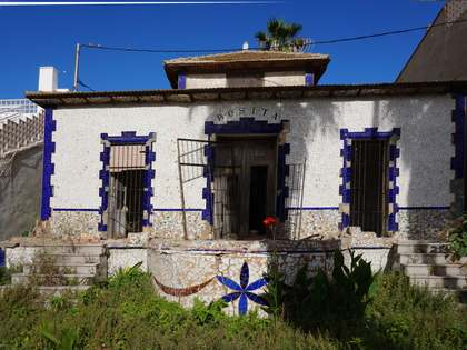 Casa / Villa di 235m² in affitto a Playa de la Malvarrosa