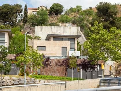 555m² villa with 412m² garden for sale in Sant Gervasi