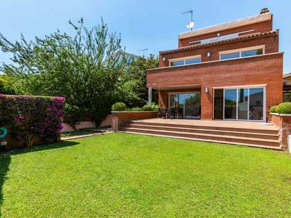 397m² House / Villa for sale in Alella, Maresme