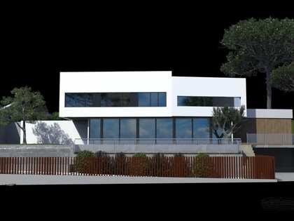 Casa / Villa de 267m² con 481m² de jardín en venta en Arenys de Mar