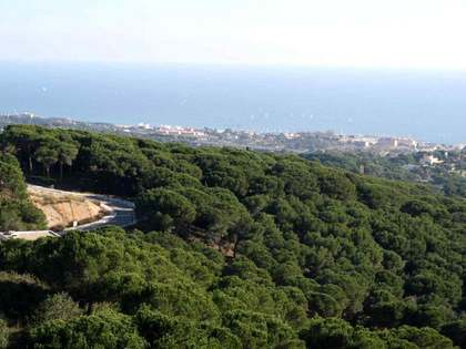 Terrain à bâtir de 1,290m² a vendre à Sant Andreu de Llavaneres