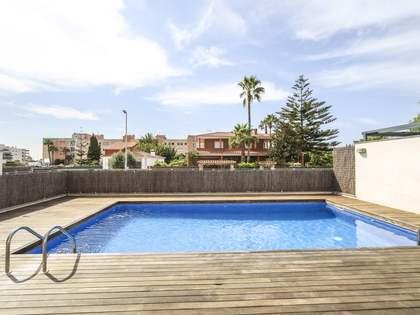135m² House / Villa for sale in Cubelles, Barcelona