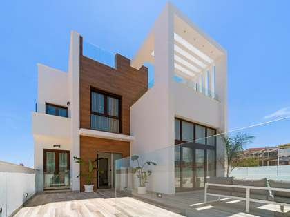 264m² House / Villa for sale in Alicante ciudad, Alicante